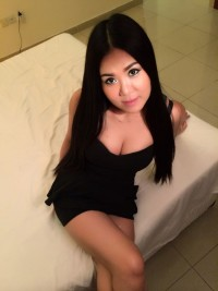 Female escort Lola